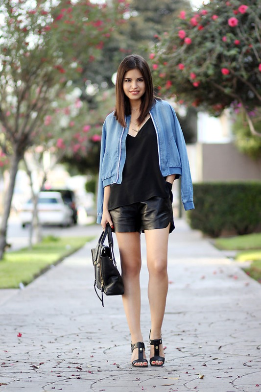 Picture Of cool ways to rock dark colors in the summer  4