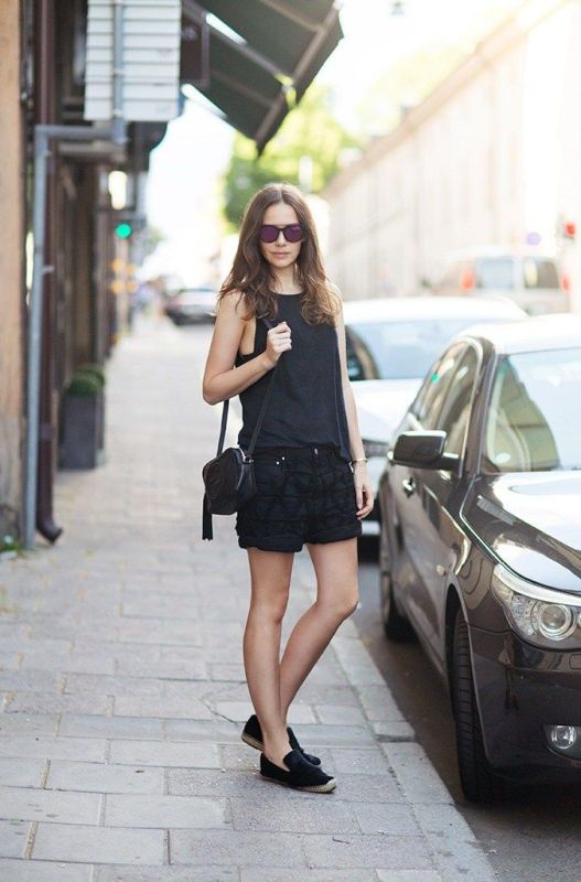 Picture Of cool ways to rock dark colors in the summer  7