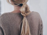 20-effortlessly-chic-vacation-hairstyles-to-recreate-14