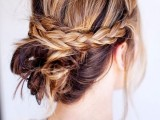 20-effortlessly-chic-vacation-hairstyles-to-recreate-15
