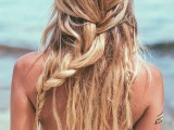 20-effortlessly-chic-vacation-hairstyles-to-recreate-20