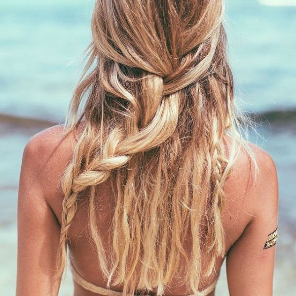 Picture Of effortlessly chic vacation hairstyles to recreate  20