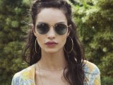 20-effortlessly-chic-vacation-hairstyles-to-recreate-6