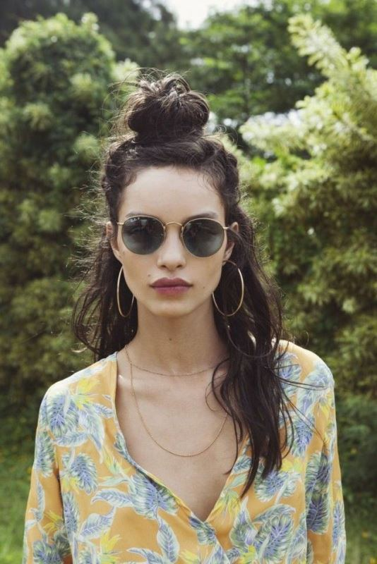 Picture Of effortlessly chic vacation hairstyles to recreate  6