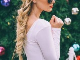 20-effortlessly-chic-vacation-hairstyles-to-recreate-8