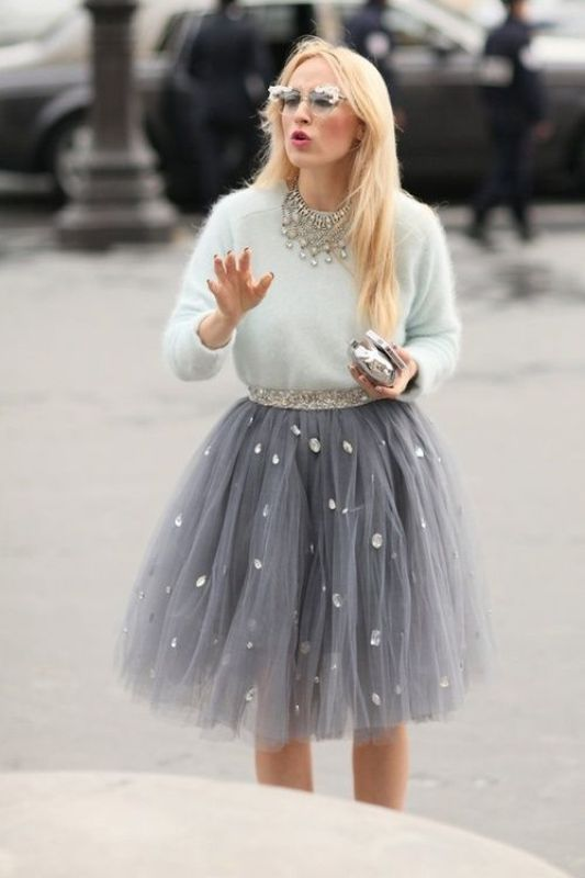Picture Of fab ways to wear a feminine tulle skirt  12