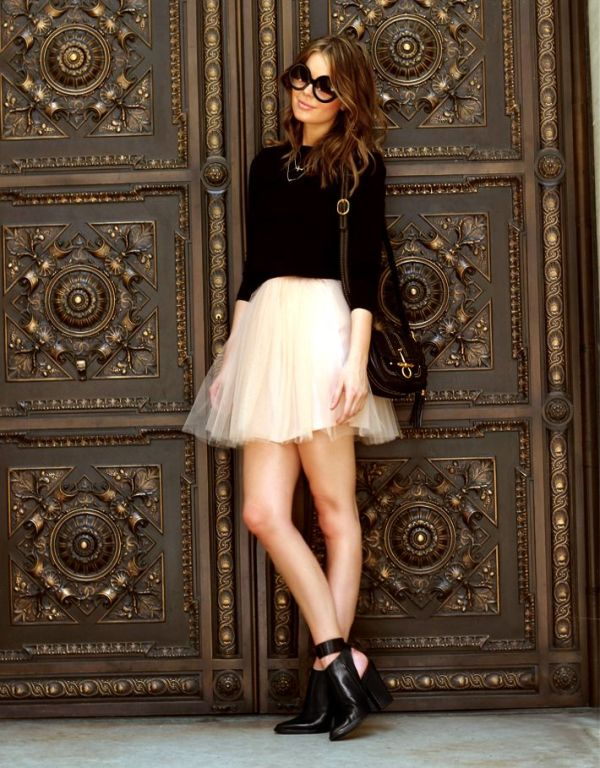 Picture Of fab ways to wear a feminine tulle skirt  14