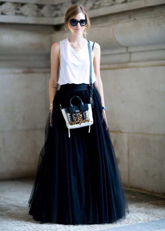 Picture Of fab ways to wear a feminine tulle skirt  17