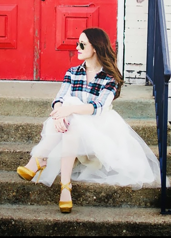Picture Of fab ways to wear a feminine tulle skirt  19