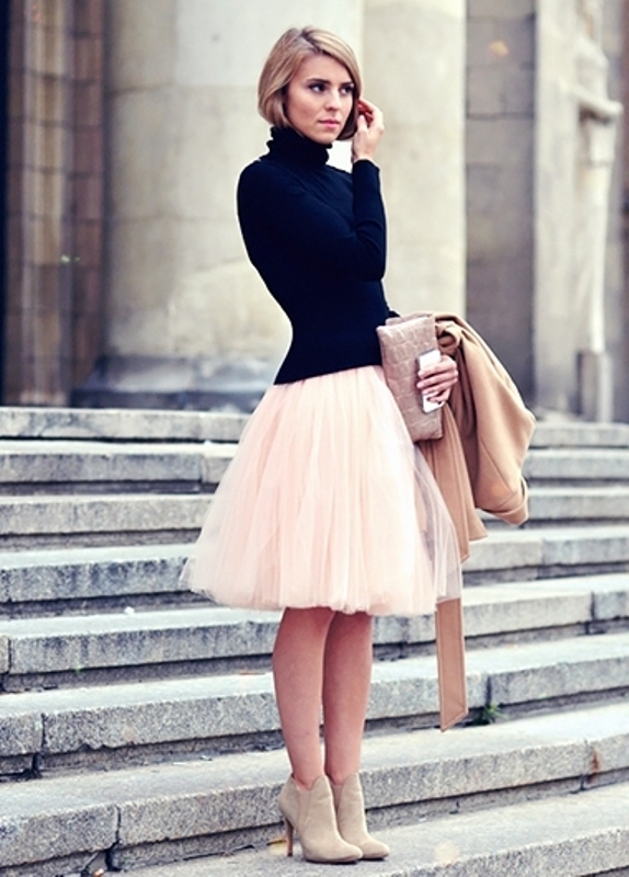 Picture Of fab ways to wear a feminine tulle skirt  3