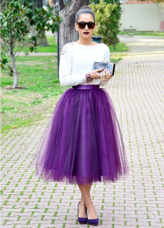 Picture Of fab ways to wear a feminine tulle skirt  8