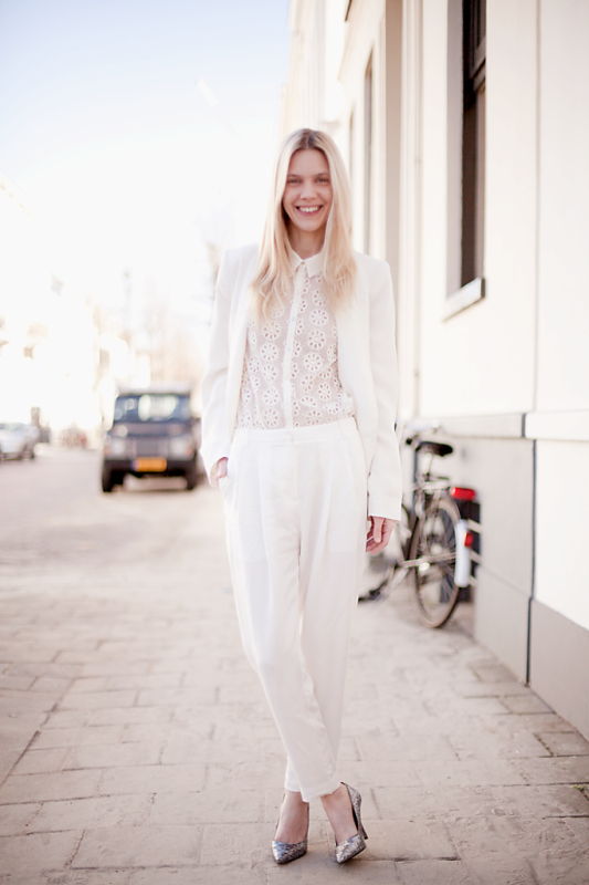Picture Of stunning ways to rock white on white  4