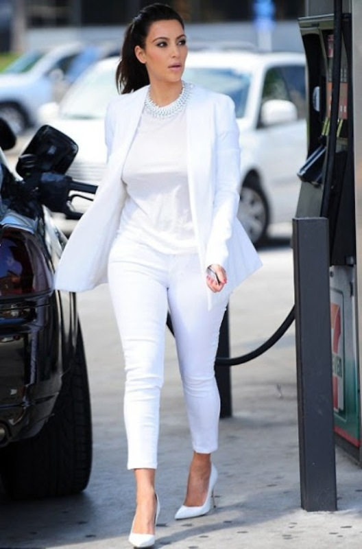 Picture Of stunning ways to rock white on white  5