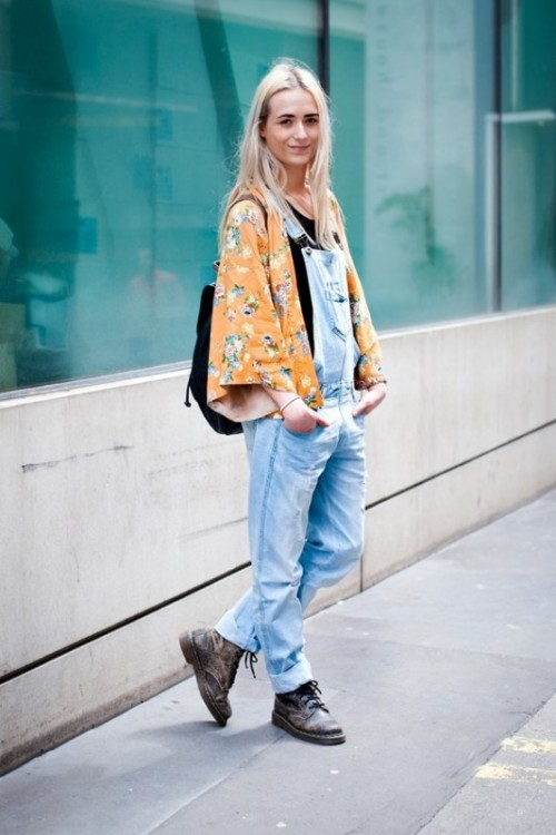 a black tee, a blue denim dungaree, a floral kimono, brown boots and a black bag for a bold spring outfit