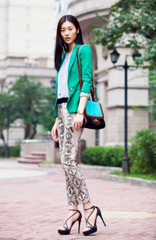 Picture Of wonderful ways to wear printed trousers this spring  1