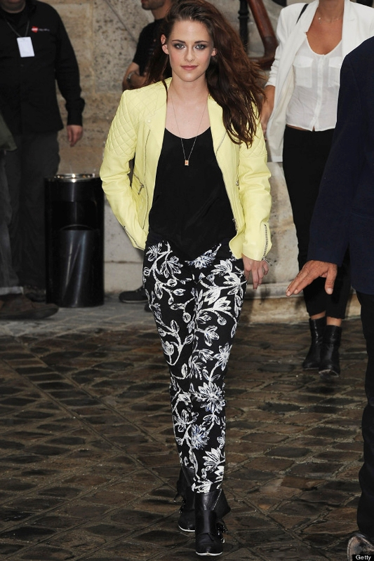 Picture Of wonderful ways to wear printed trousers this spring  18