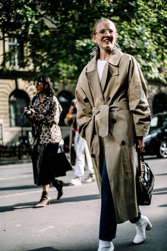 an oversized olive green midi trench with pockets is a chic idea with all the hot and trendy features