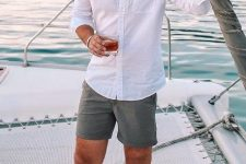 a white shirt, green shorts are all you need to relax during the holiday and look stylish