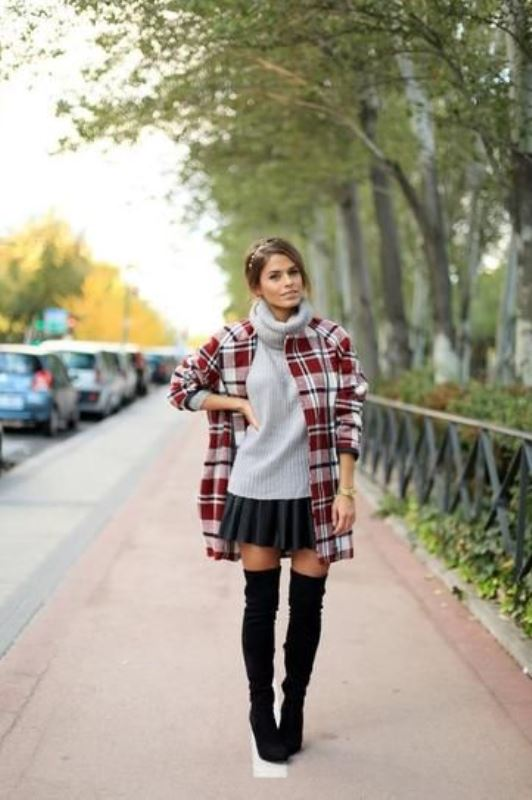 Picture Of stylish oversized turtleneck sweater looks  2