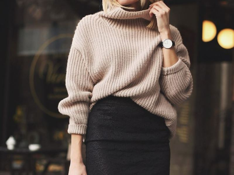 Picture Of stylish oversized turtleneck sweater looks  3