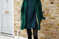 18 Chic Emerald Coats For Winter16
