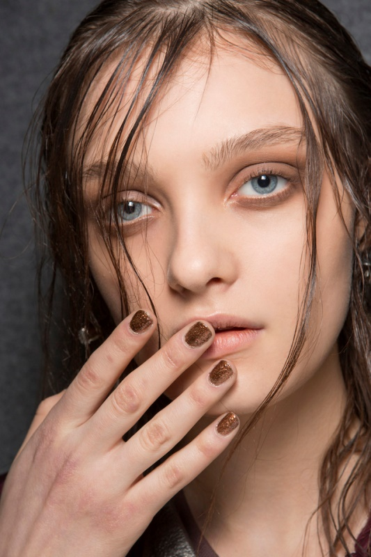 5 Main Trends In Winter Manicure To Try