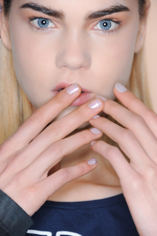 Picture Of 5 main trends in winter manicure to try  18