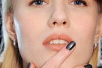 5-main-trends-in-winter-manicure-to-try-8