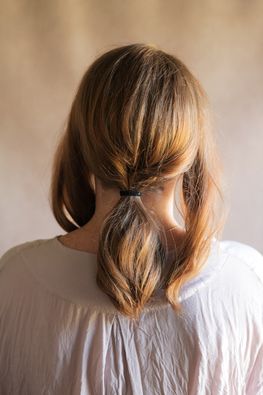 5 Minute DIY Low Pony Hairdo For The Upcoming Holidays