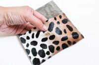Eye-Catching DIY Leopard Mini Pouch6