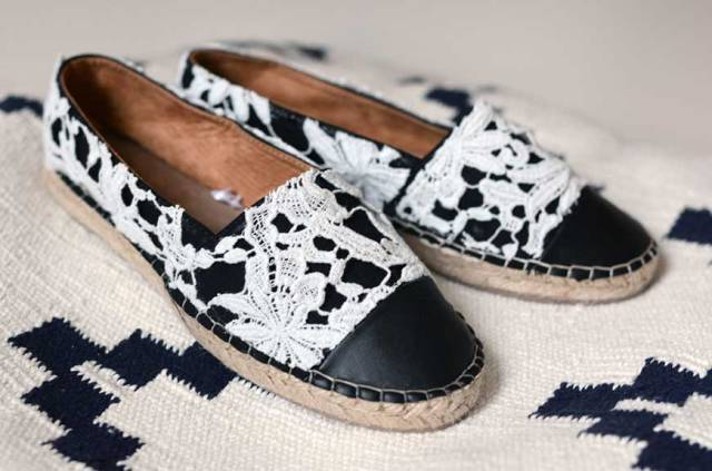 Comfy Girlish DIY Lace Espadrilles