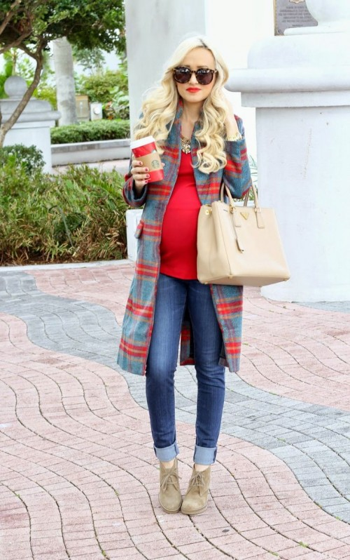 Picture Of best winter maternity outfit 2015
