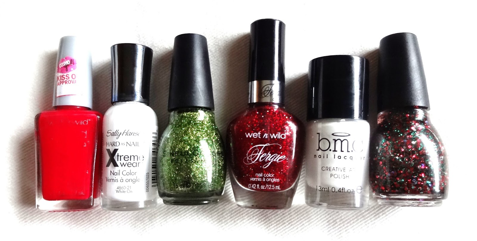 Picture Of bold diy christmas nail art with rhinestones  2