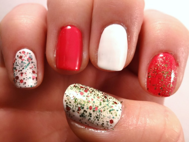 Bold DIY Christmas Nail Art With Rhinestones