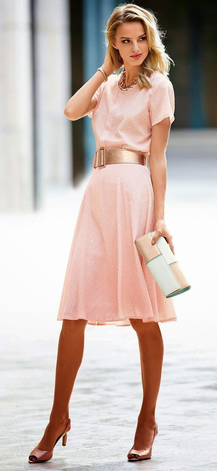 of chic ways to rock rose quartz in your outfits 11