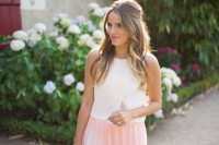 chic-ways-to-rock-rose-quartz-in-your-outfits-18