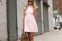 chic-ways-to-rock-rose-quartz-in-your-outfits-27