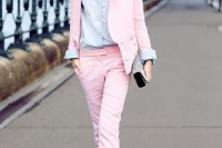 chic-ways-to-rock-rose-quartz-in-your-outfits-28