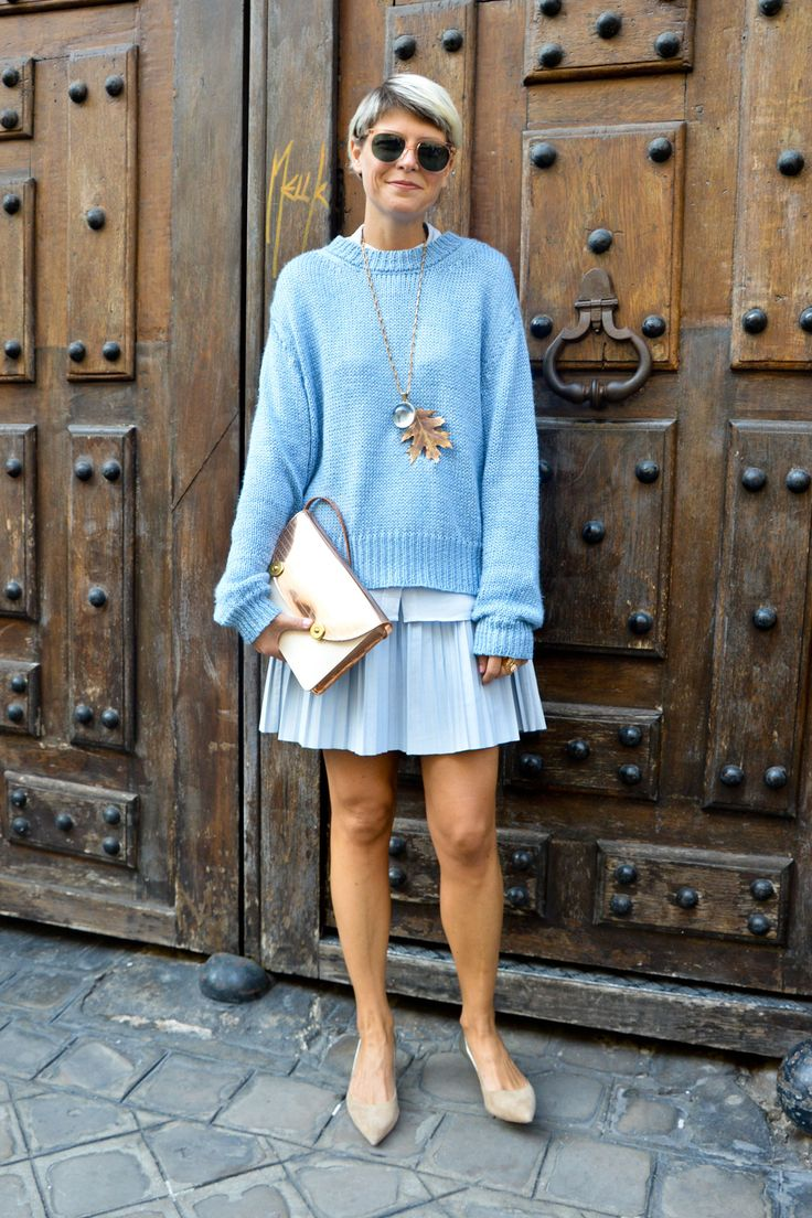 of chic ways to rock serenity in your outfits 22