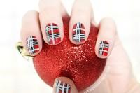 christmas-inspired-diy-festive-plaid-nail-art-1
