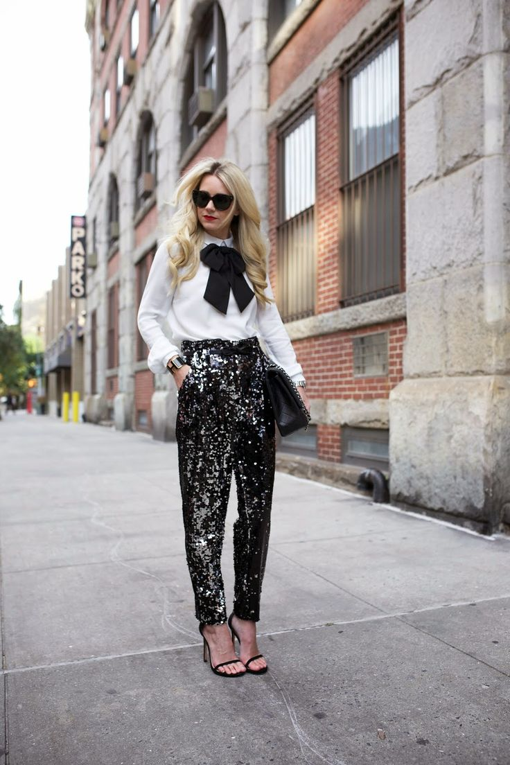 A Bit Of Sparkle: 32 Christmas Outfits With Sequins