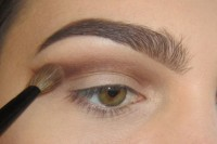 classic-diy-cut-crease-makeup-for-a-christmas-party-2