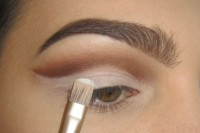 classic-diy-cut-crease-makeup-for-a-christmas-party-3