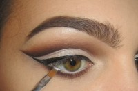 classic-diy-cut-crease-makeup-for-a-christmas-party-5