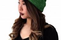 diy-crochet-alpine-pompom-hat-2