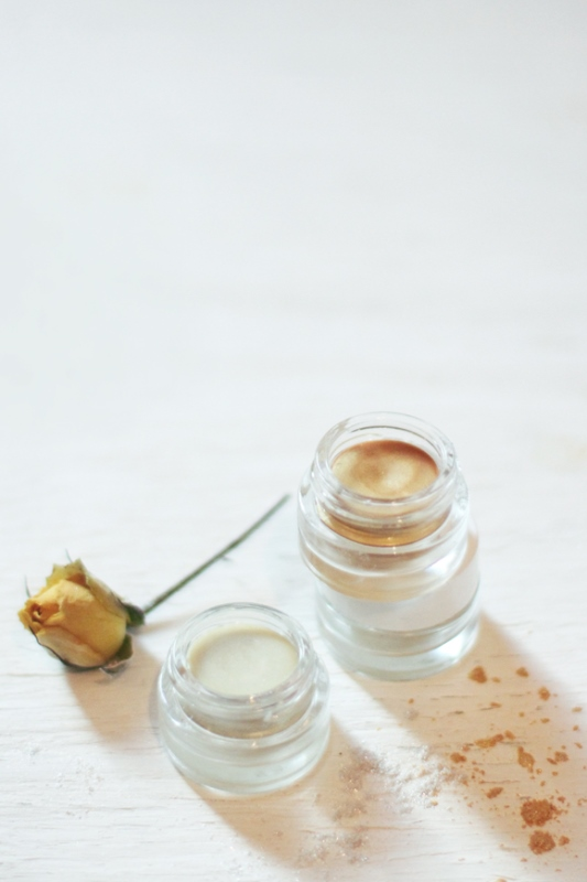 Natural DIY Skin Luminizer With Mica Powder