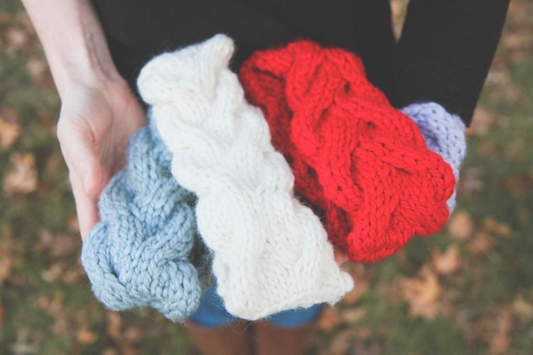 Picture Of diy shadow cable ear warmers to make  1