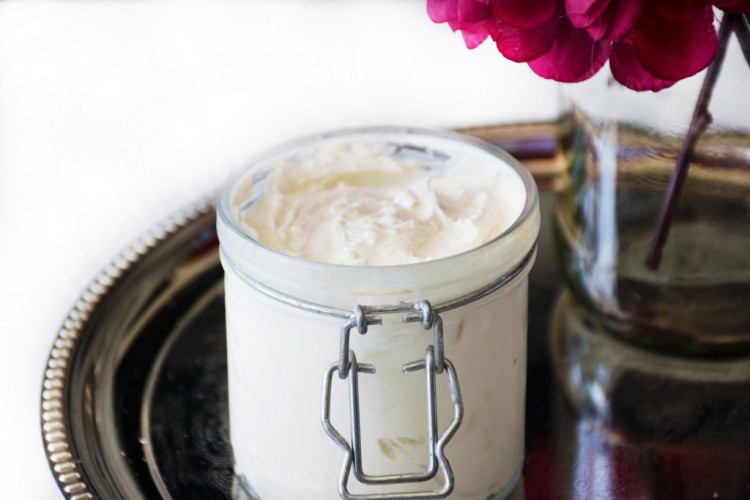 DIY Whipped Body Butter With Coconut And Almond Oils
