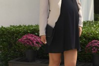 elegant-and-comfy-maternity-outfits-for-work-14