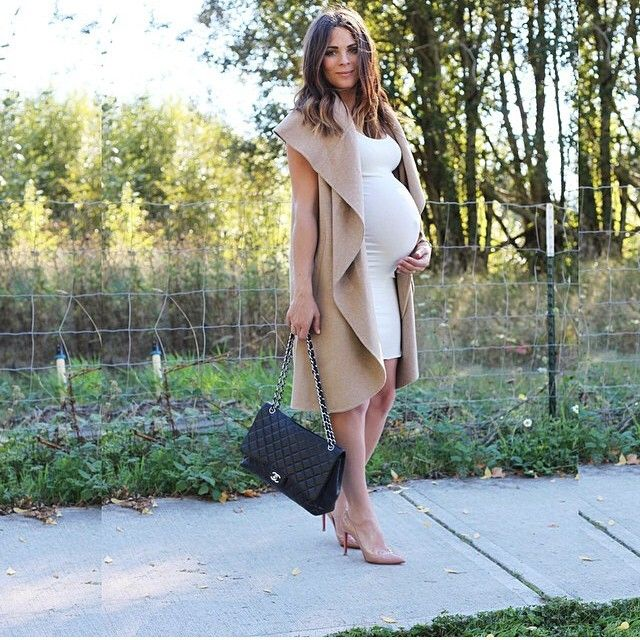 Picture Of elegant and comfy maternity outfits for work  18